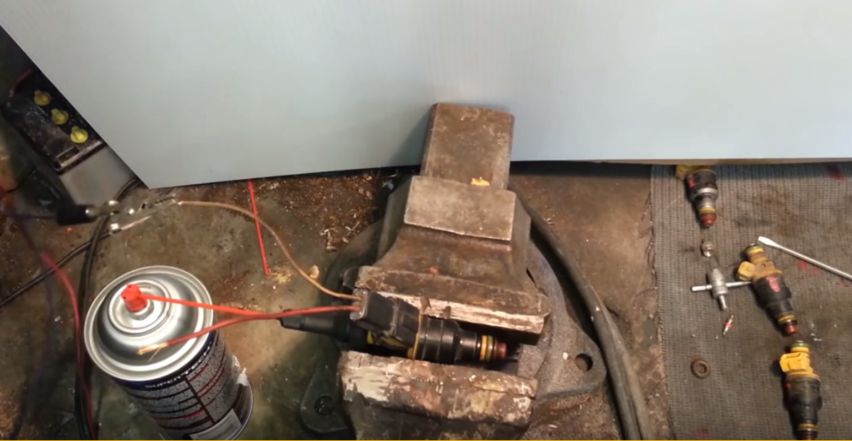 How To Clean Injectors >> [Video] Quick and Easy Fuel Injector Cleaning Without Expensive Tools! - BRILLIANT DIY