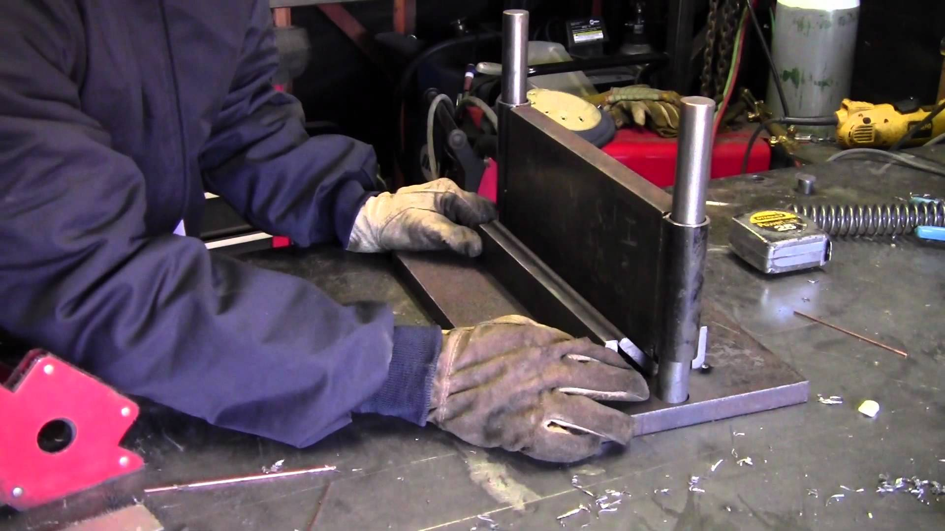 [Video] How To Turn Scrap Metal Into A Press Brake Using Simple Shop Tools!