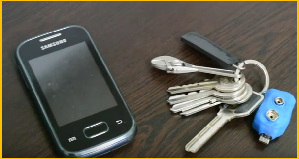 DIY_Keychain_Phone_Charger