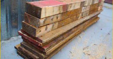 How_to_Tear_Down_a_Pallet_in_Under_5_Minutes