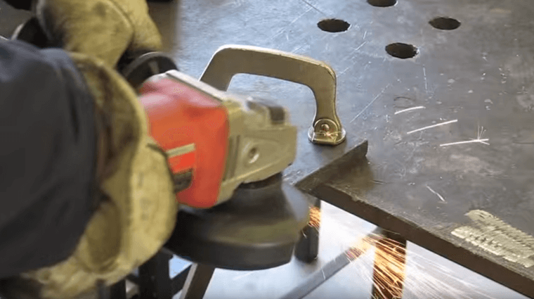 how_to_use_an_angle_grinder