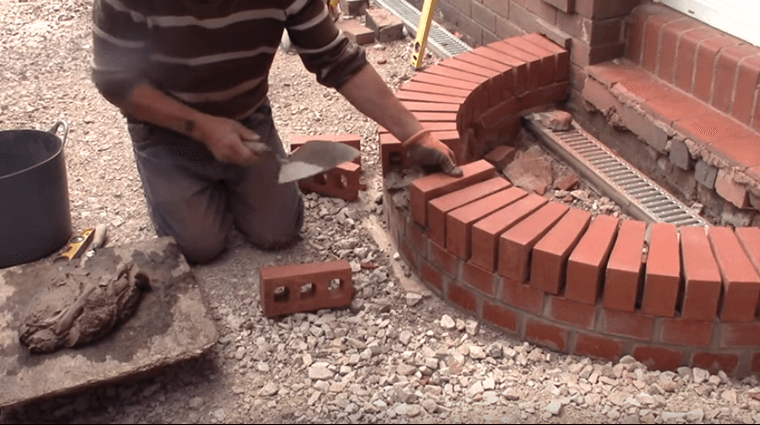 Video building a curved brick step is easy the video for How to build a brick house step by step pdf