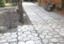 [Video] Follow Our Stepping Stones To A Beautiful Handmade Garden Path.
