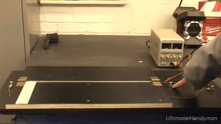 [Video] A Detailed Tutorial On Making A DIY Line Bending Machine.