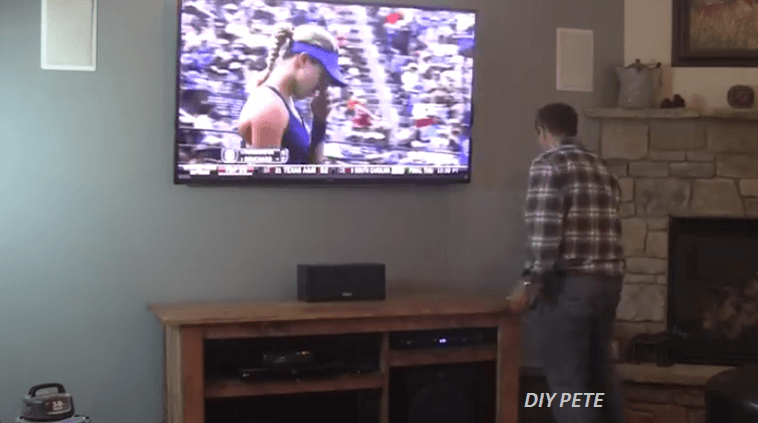 [Video] Who Would Have Thought Hiding Your TV Setup Could Be That Quick And Easy?