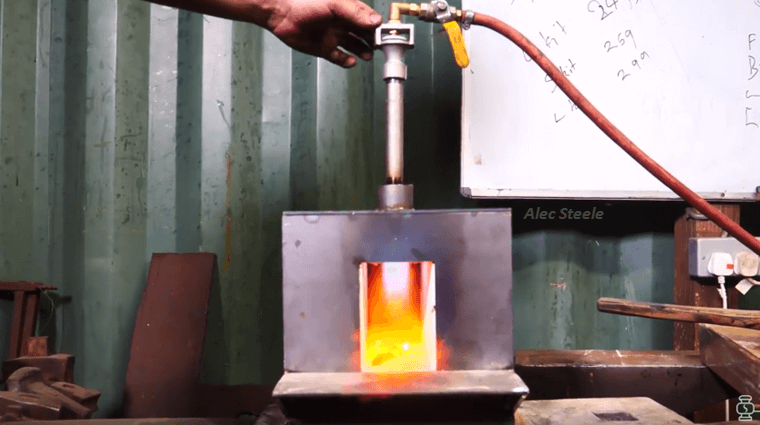 DIY Tutorial: Build A Blacksmithing Forge For Beginners ...
